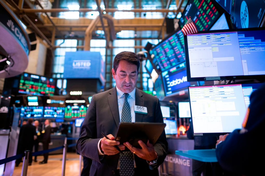Schroders profit drops amid weak investor sentiment