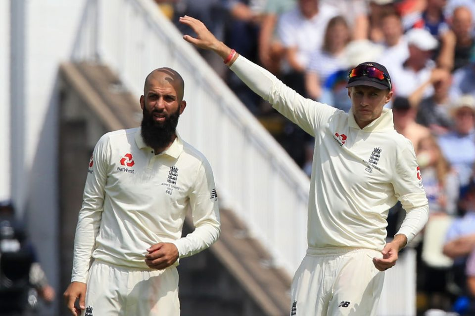 England's Moeen Ali (L) and England's captain Joe Root gesture during play on the opening day of the first Ashes cricket Test match between England and Australia at Edgbaston in Birmingham, central England on August 1, 2019. (Photo by Lindsey Parnaby / AFP) / RESTRICTED TO EDITORIAL USE. NO ASSOCIATION WITH DIRECT COMPETITOR OF SPONSOR, PARTNER, OR SUPPLIER OF THE ECB        (Photo credit should read LINDSEY PARNABY/AFP/Getty Images)