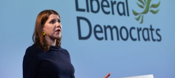 Lib Dems' Swinson proposes alternatives to Corbyn for 'unity government'