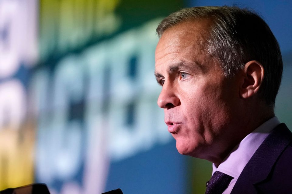 Mark Carney says negative interest rates 'not an option' for BoE