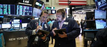 US stock markets rise as Federal Reserve enters spotlight