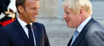 Emmanuel Macron says he will veto Brexit delay