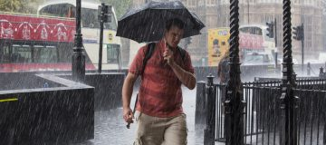 UK weather warning:  'Torrential' thunderstorms to shatter London heatwave