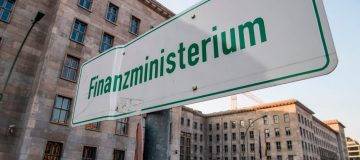 Germany sells 30-year bonds with negative yields but demand weak