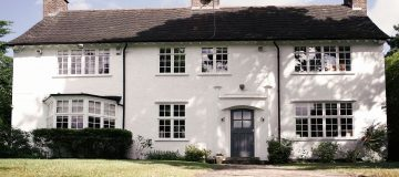 This cottage might be the cheapest house on one  of the world's wealthiest streets