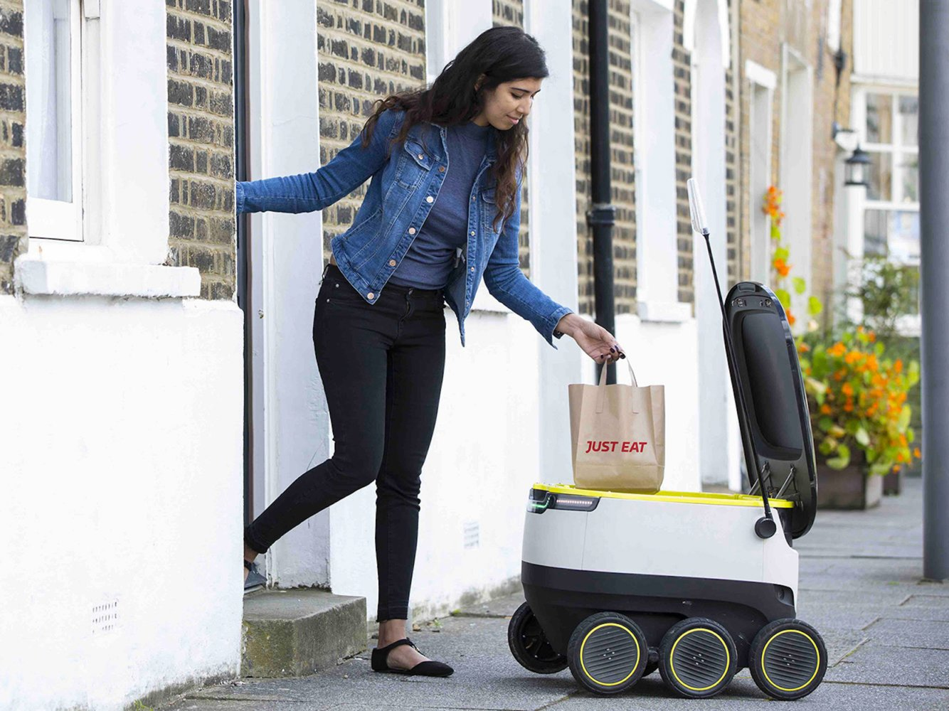 Robot delivery service Starship Technologies targets students in $40m raise