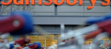 Sainsbury's beats rivals to report sales growth