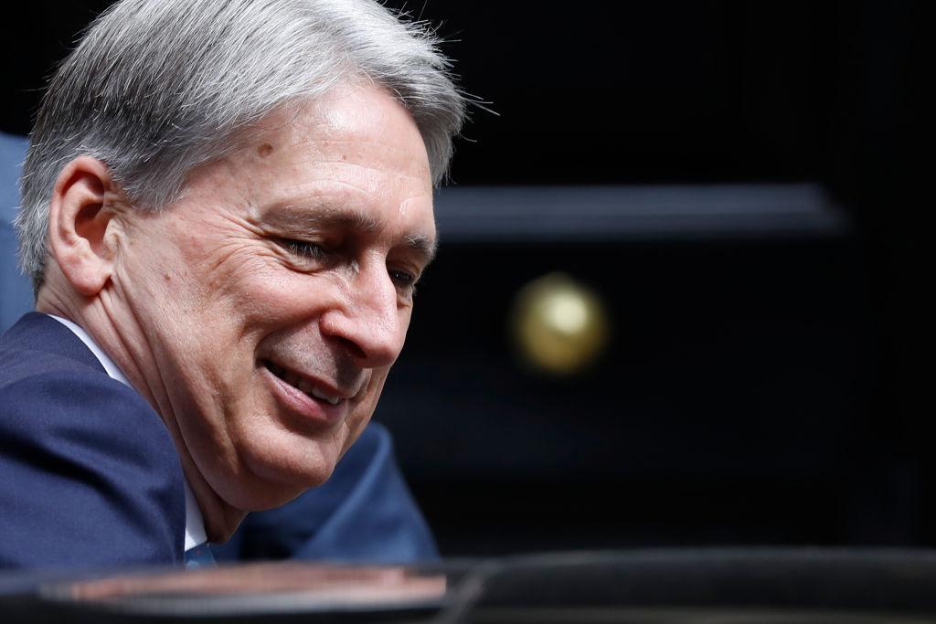 Ex-chancellor Hammond challenges PM Johnson over Brexit