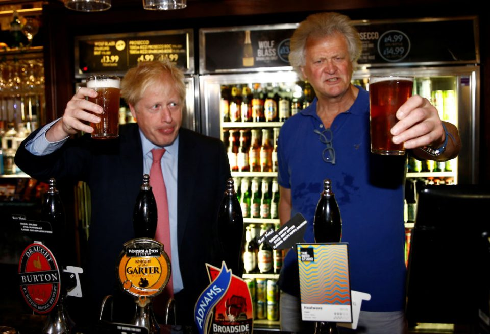 Wetherspoons boss Tim Martin slams 'elite Remainers' as profit ...