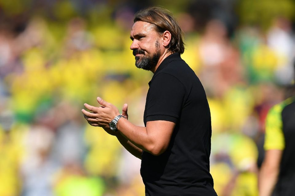 Norwich City's German head coach Daniel Farke applauds supporters on the pitch after the English Premier League football match between Norwich City and Chelsea at Carrow Road in Norwich, eastern England on August 24, 2019. - Cheslea won the game 3-2. (Photo by Daniel LEAL-OLIVAS / AFP) / RESTRICTED TO EDITORIAL USE. No use with unauthorized audio, video, data, fixture lists, club/league logos or 'live' services. Online in-match use limited to 120 images. An additional 40 images may be used in extra time. No video emulation. Social media in-match use limited to 120 images. An additional 40 images may be used in extra time. No use in betting publications, games or single club/league/player publications. /         (Photo credit should read DANIEL LEAL-OLIVAS/AFP/Getty Images)