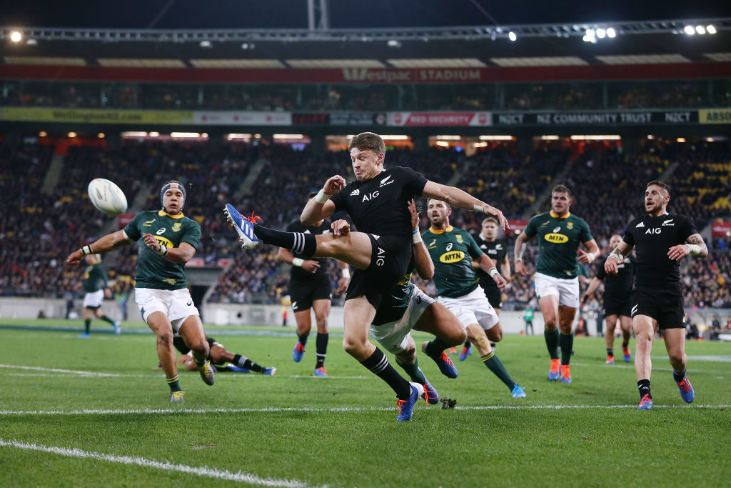 New Zealand and South Africa will be the main contenders at an evenly poised Rugby World Cup - and this weekend's match could be crucial