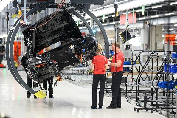Confidence among German investors grows despite recession worries