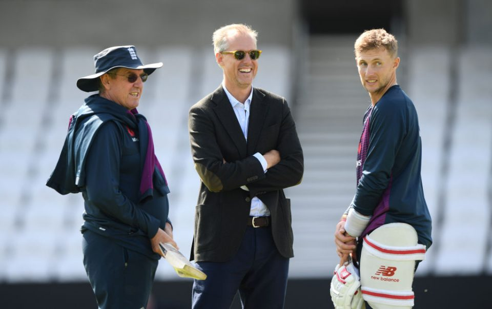 LEEDS, ENGLAND - AUGUST 21: England captain Joe Root (r)  chats with Trevor Bayliss (l0 and Ed Smith during England nets ahead of the 3rd Test match at Headingley on August 21, 2019 in Leeds, England. (Photo by Stu Forster/Getty Images)