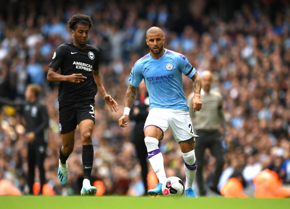 MANCHESTER, ENGLAND - AUGUST 31: Kyle Walker of Manchester City runs with the ball during the Premier League match between Manchester City and Brighton & Hove Albion at Etihad Stadium on August 31, 2019 in Manchester, United Kingdom. (Photo by Shaun Botterill/Getty Images)