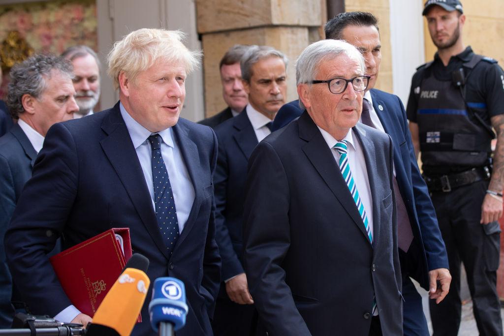 Brexit: Juncker blasts PM for not offering written proposals