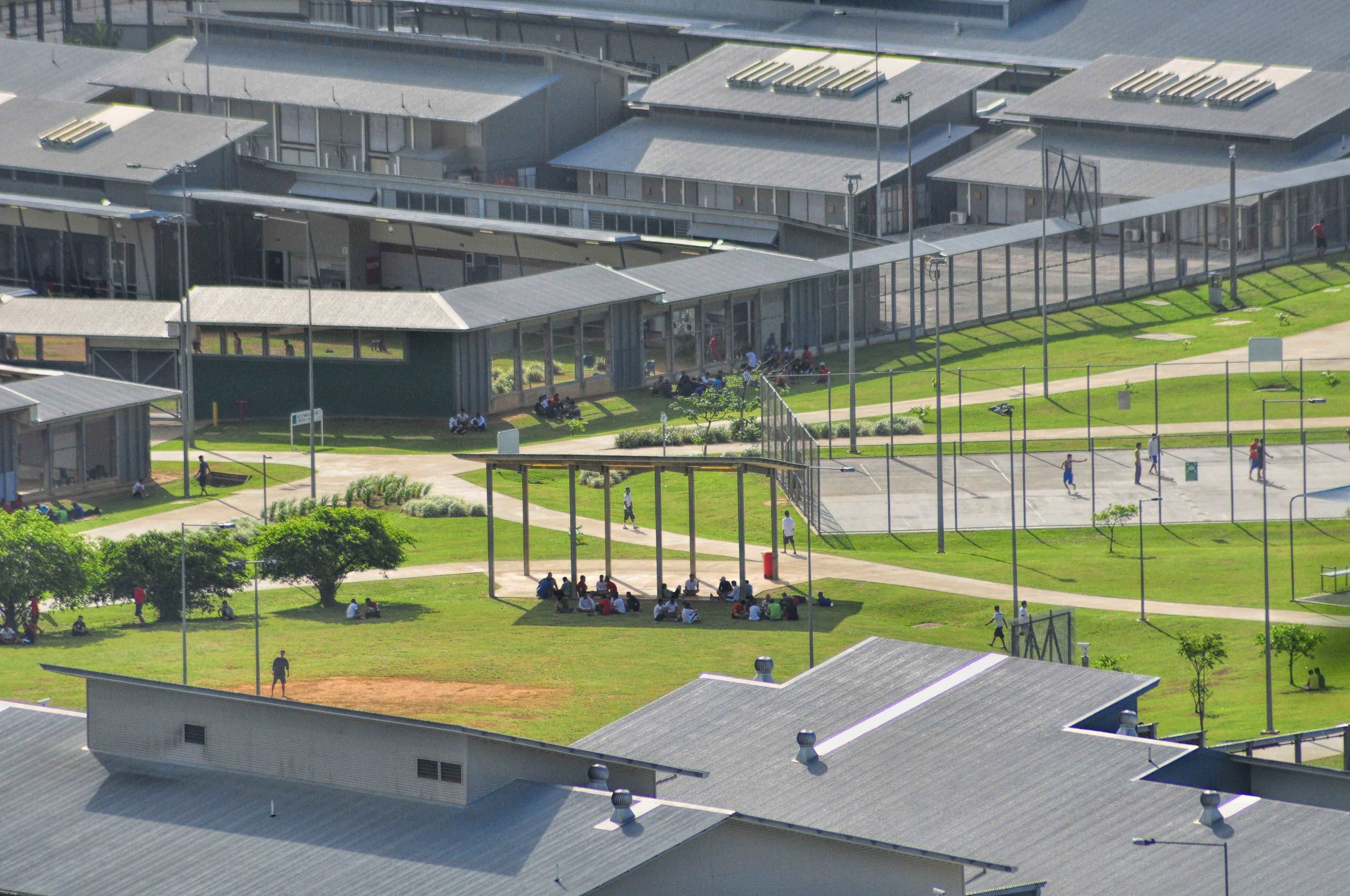 Serco extends controversial Australian migrant detention centre contract