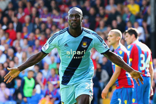 LONDON, ENGLAND - AUGUST 23: Carlton Cole of West Ham celebrates scoring his team's third goal during the Barclays Premier League match between Crystal Palace and West Ham United at Selhurst Park on August 23, 2014 in London, England.  (Photo by Scott Heavey/Getty Images)