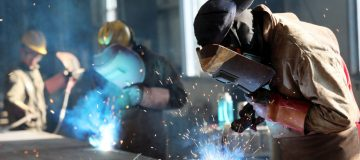 US manufacturing sector shrinks for first time in three years, survey shows
