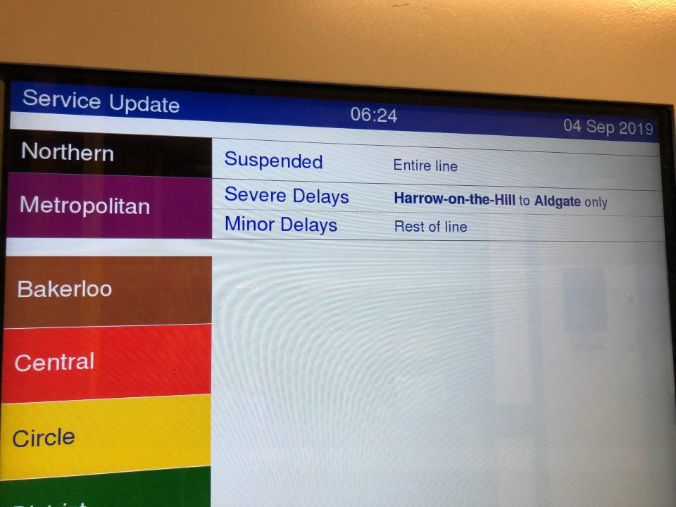 Tube chaos descends on commuters as Northern Line suspended