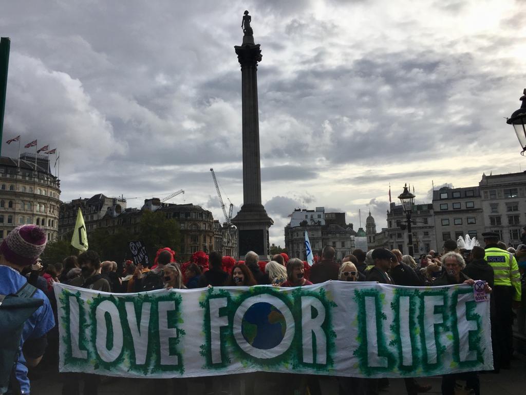 Extinction Rebellion ignore police ban to return to Trafalgar Square