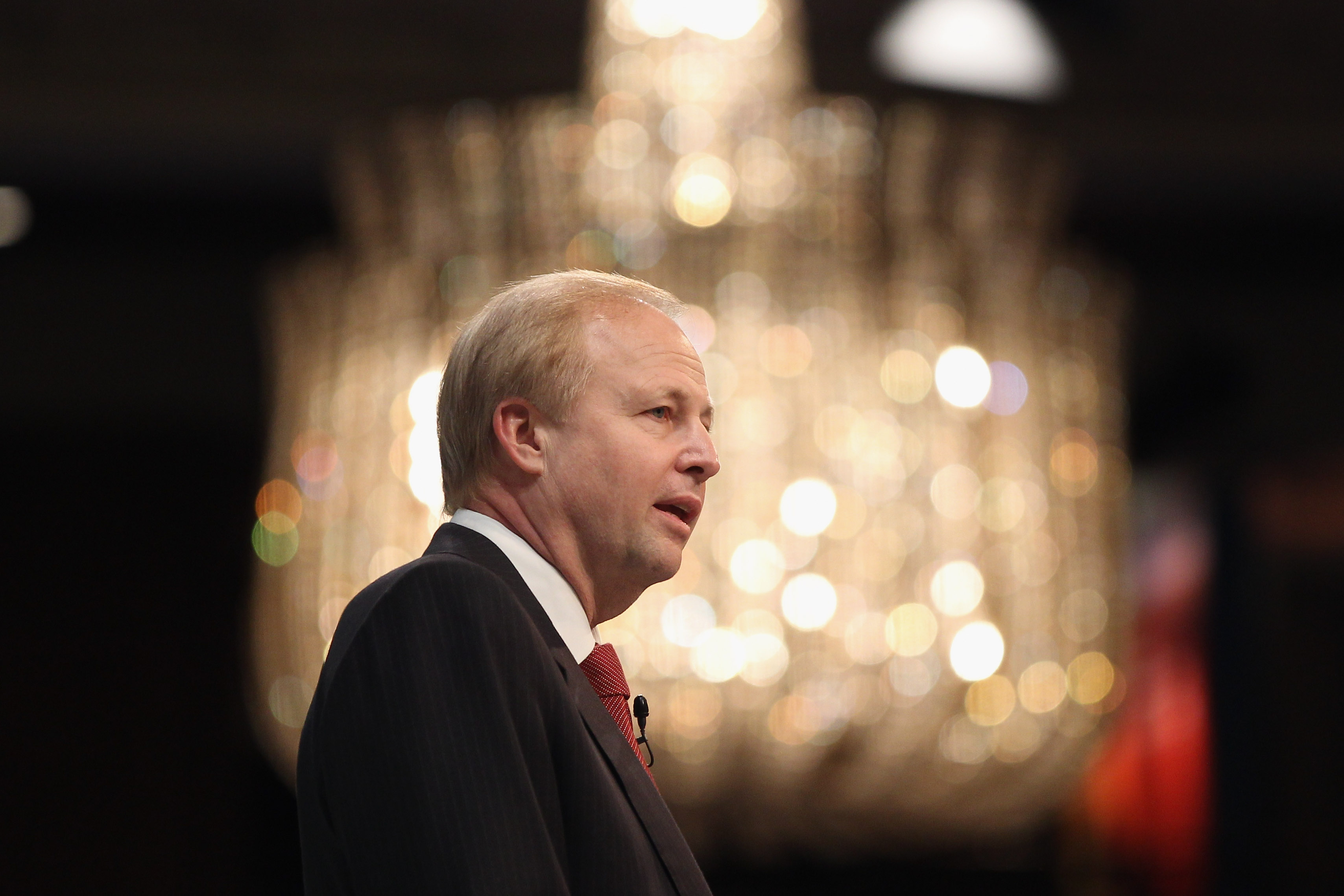 BP CEO Bob Dudley to retire,  Upstream boss Bernard Looney named successor