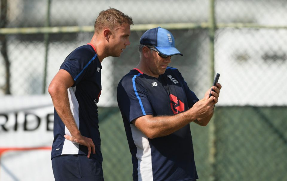 COLOMBO, SRI LANKA - NOVEMBER 22:  England bowler Stuart Broad and bowling coach Chris Silverwood consult some mobile phone footage during England Nets ahead of the 3rd Test Match at the Sinhalese Sports Club cricket ground on November 22, 2018 in Colombo, Sri Lanka.  (Photo by Stu Forster/Getty Images)