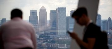 Men dominate investment banking deals, research finds