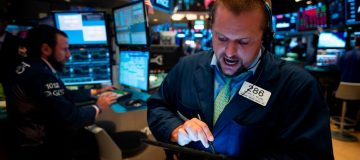 S&P 500 hits all-time high on trade and Fed optimism