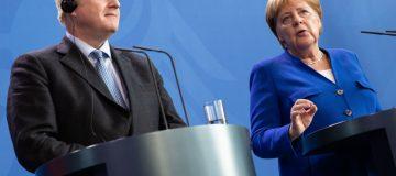 Brexit deal 'overwhelmingly unlikely', Merkel tells PM