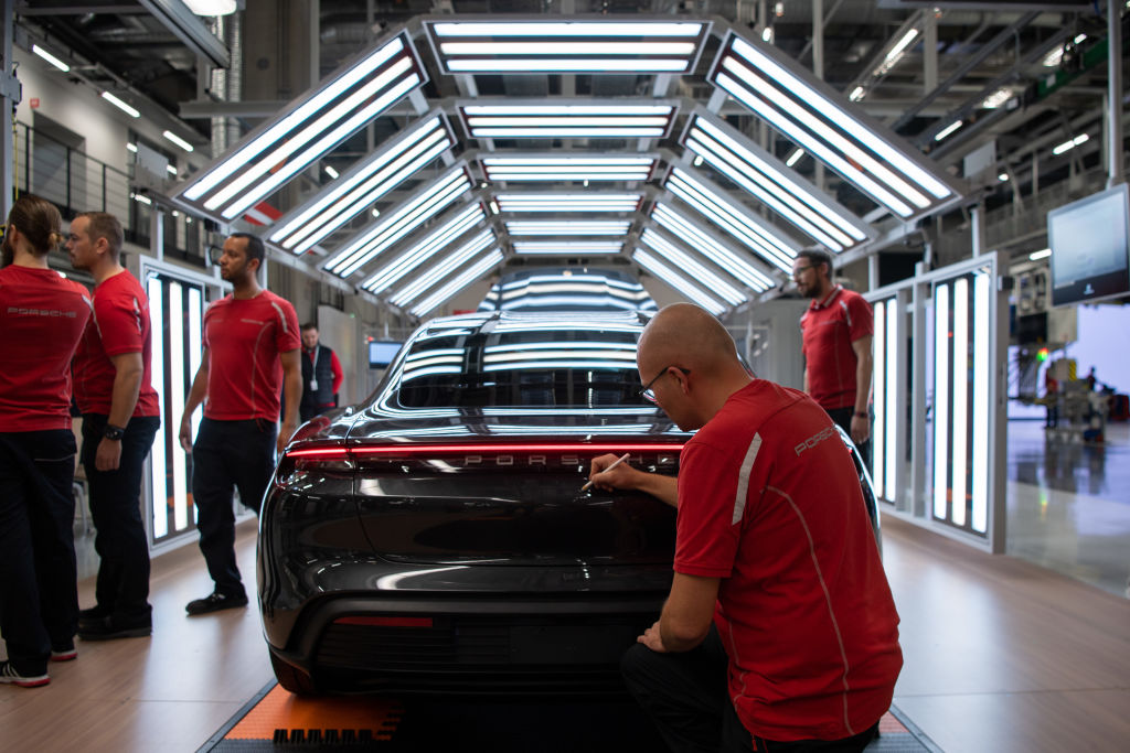 Gloom thickens over Eurozone economy as German factory orders tumble