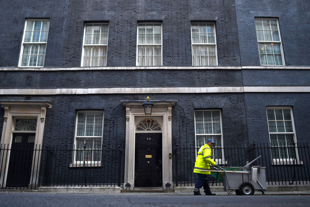 No 10 calls on US to 'reconsider its position' over diplomat's wife