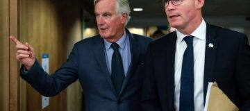 Barnier says Brexit deal 'very difficult'
