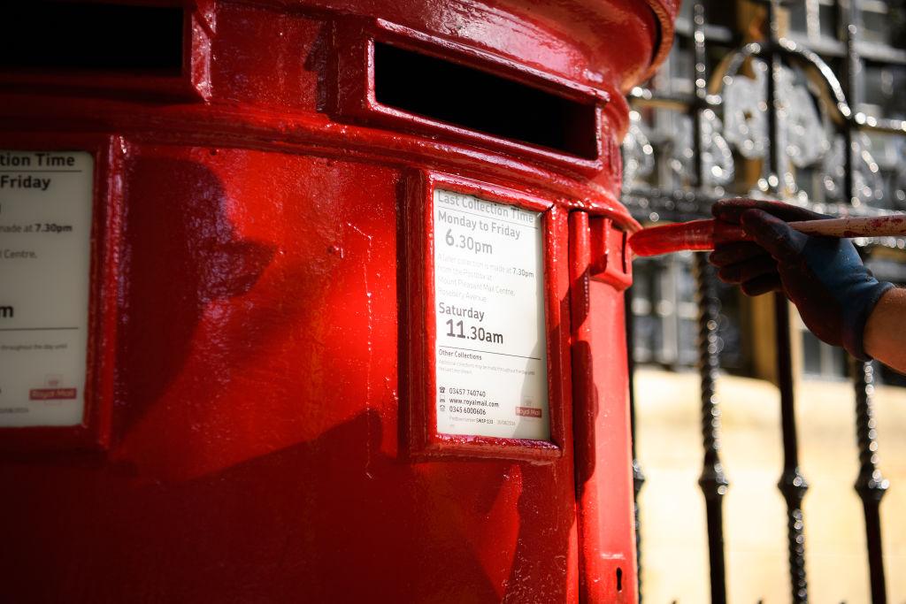 Parcel pandemonium: Royal Mail braces for Christmas strike chaos - CityAM
