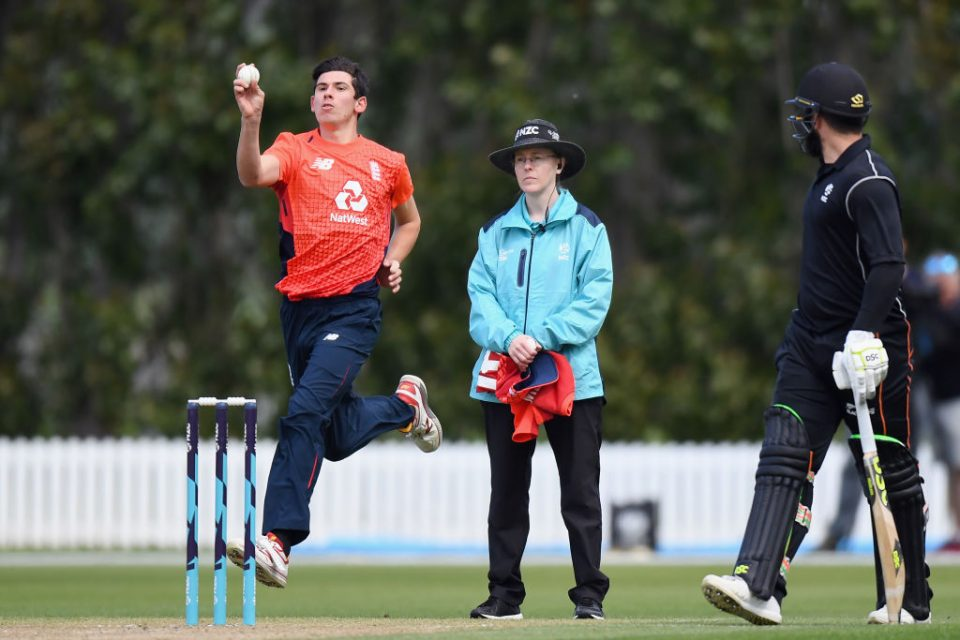 LINCOLN, NEW ZEALAND - OCTOBER 29: Umpire Kim Cotton looks on as Pat Brown of England bowls during the Twenty20 International match between the New Zealand XI and England at Bert Sutcliffe Oval on October 29, 2019 in Lincoln, New Zealand. (Photo by Kai Schwoerer/Getty Images)