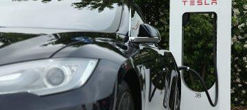 Tesla share price falls after it misses deliveries target
