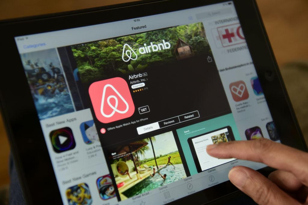 Airbnb 'plots direct listing' instead of traditional IPO for hotly-anticipated float - CityAM