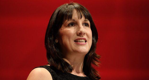 Business committee chair Rachel Reeves attacks defiant Thomas Cook leadership
