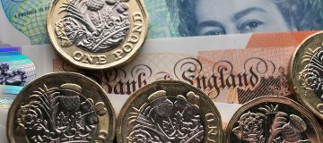 Sterling hits one-month low as Brexit deal hopes 'snuffed out'