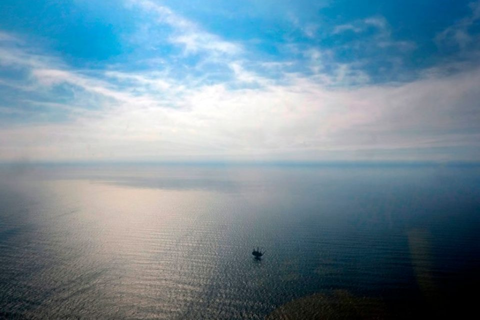 Oil industry to spend £15bn on North Sea decommissioning