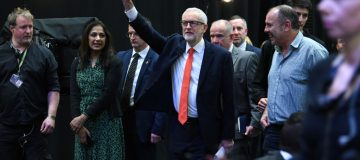 General Election 2019: Labour takes aim at banker 'hostility' as it launches 'radical' manifesto with £20bn R&D fund