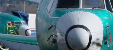 Emirates orders $9bn worth of Boeing jets despite safety concerns
