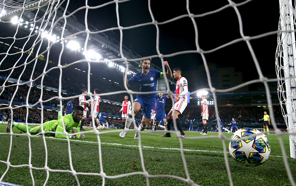 LONDON, ENGLAND - NOVEMBER 05: Cesar Azpilicueta of Chelsea celebrates after Reece James of Chelsea (out of frame) scores his team's fourth goal during the UEFA Champions League group H match between Chelsea FC and AFC Ajax at Stamford Bridge on November 05, 2019 in London, United Kingdom. (Photo by Catherine Ivill/Getty Images)