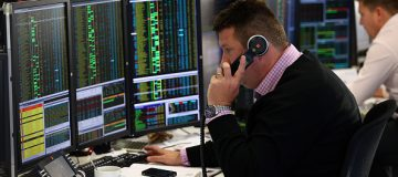 Changing times: Market leaders and investor groups call for shorter working day on trading floors