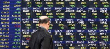 Asian stocks fall as Donald Trump threatens more tariffs