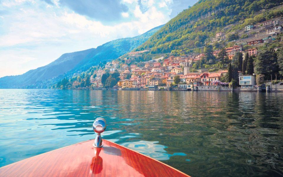 Speed boat on Lake Como