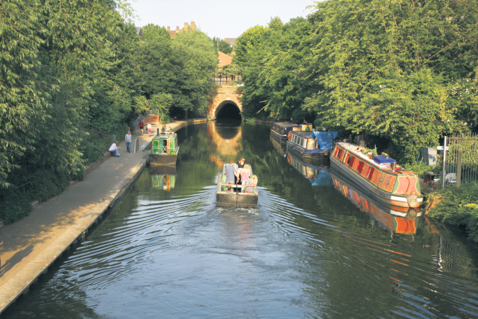 A section of the Regent's Canal close to Barnsbury
