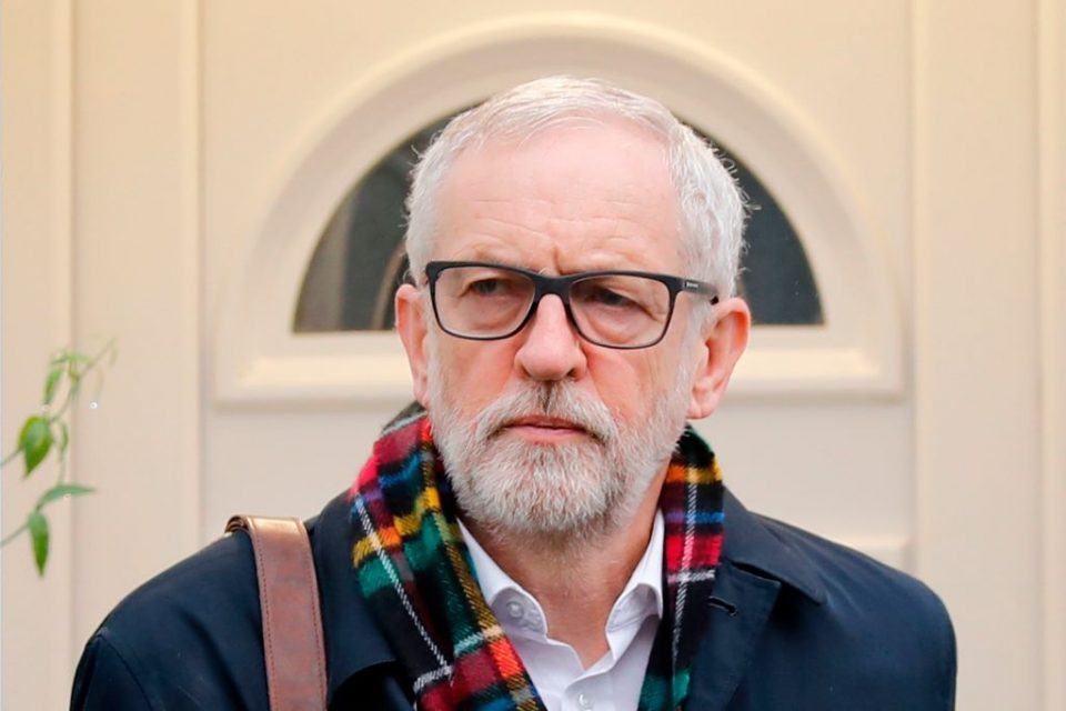 Corbyn to vote down Brexit bill