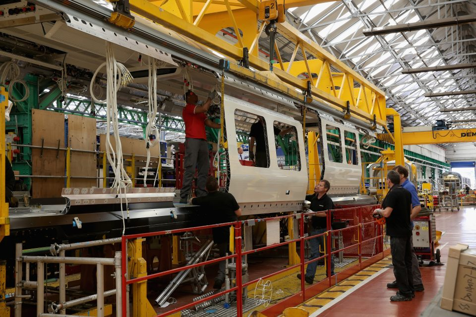 UK manufacturing sector continues to shrink