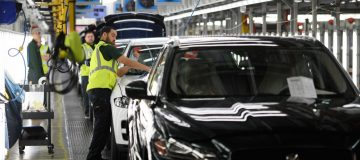 Jaguar Land Rover sales fall despite hopes for Chinese recovery