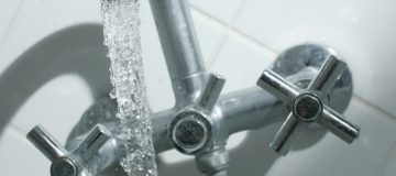 Ofwat orders water firms to cut bills by £50 come 2025